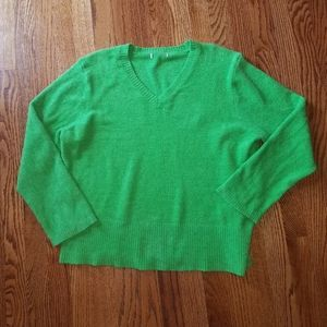 Sweaters - Green soft fuzzy sweater size xl
